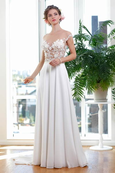 Schantal wedding dress from the collection Kiara, model 1139 .