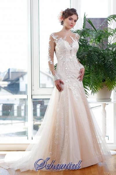 Schantal wedding dress from the collection Kiara, model 1140.