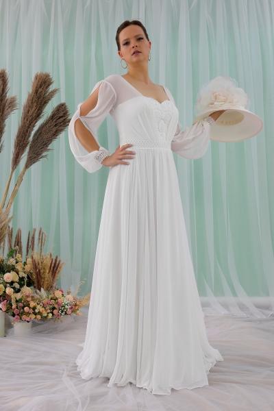 Schantal wedding dress from the collection Queen XXL, model 2315 XXL.