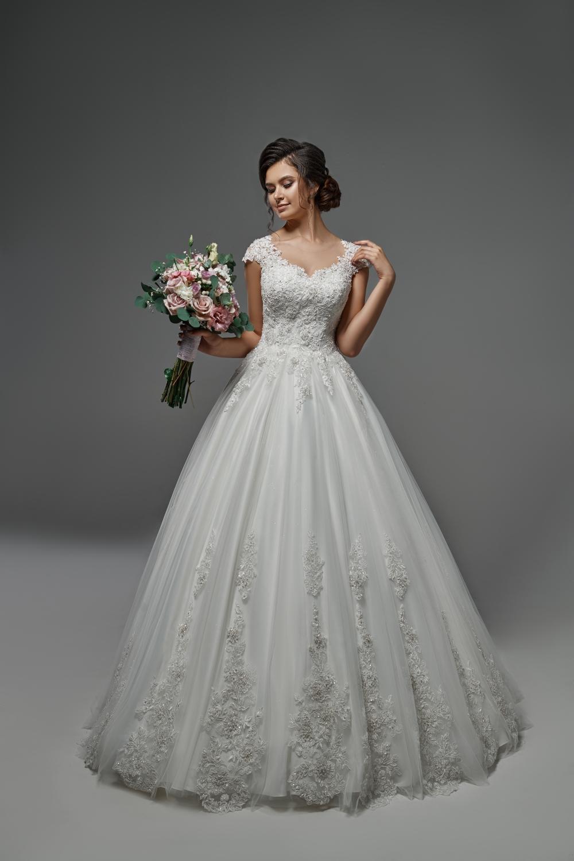 "Schantal Brautkleid aus der Kollektion ""Pilar"", Modell 28003. Foto 1"