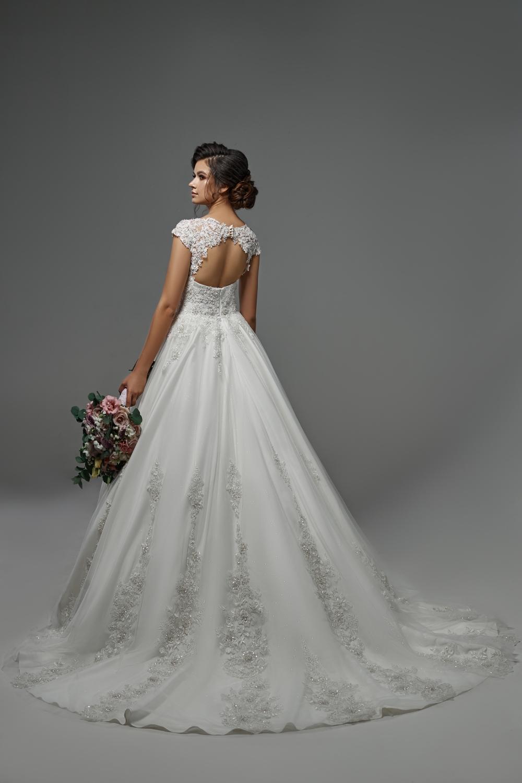 "Schantal Brautkleid aus der Kollektion ""Pilar"", Modell 28003. Foto 2"