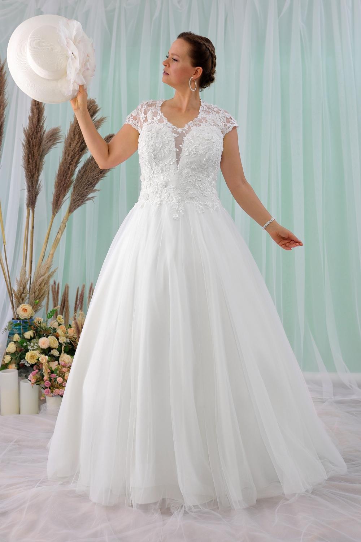 """Schantal Brautkleid aus der Kollektion """"Queen XXL"""", Modell 2213 XXL. Foto 3"""