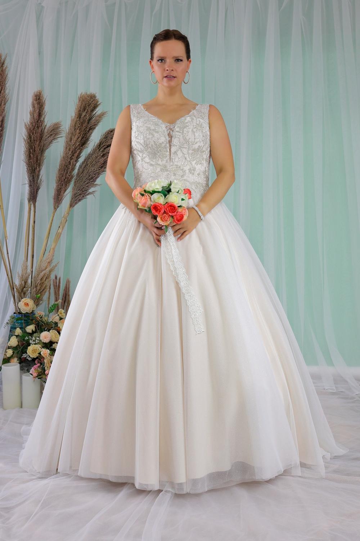 """Schantal Brautkleid aus der Kollektion """"Queen XXL"""", Modell 2278 XXL. Foto 1"""