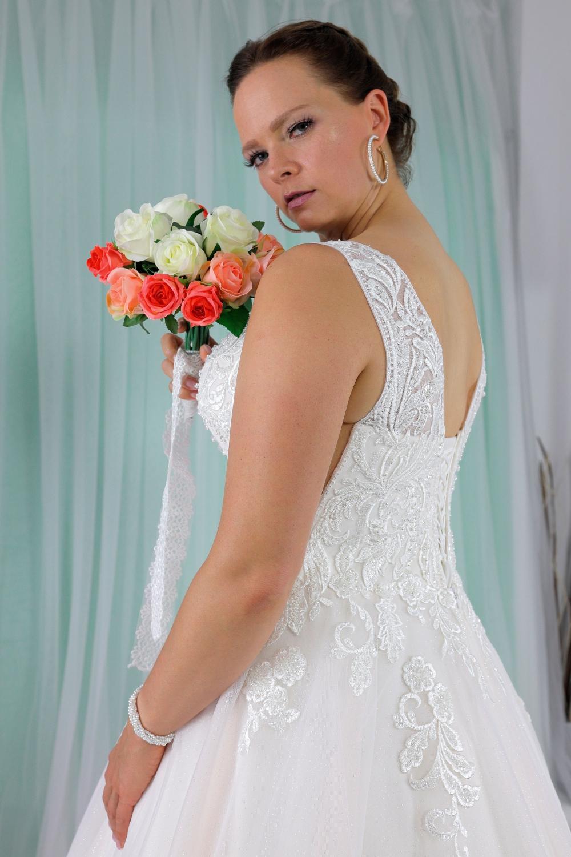 """Schantal Brautkleid aus der Kollektion """"Queen XXL"""", Modell 2279 XXL. Foto 3"""