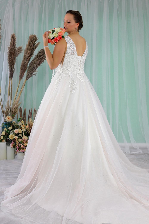 """Schantal Brautkleid aus der Kollektion """"Queen XXL"""", Modell 2279 XXL. Foto 6"""