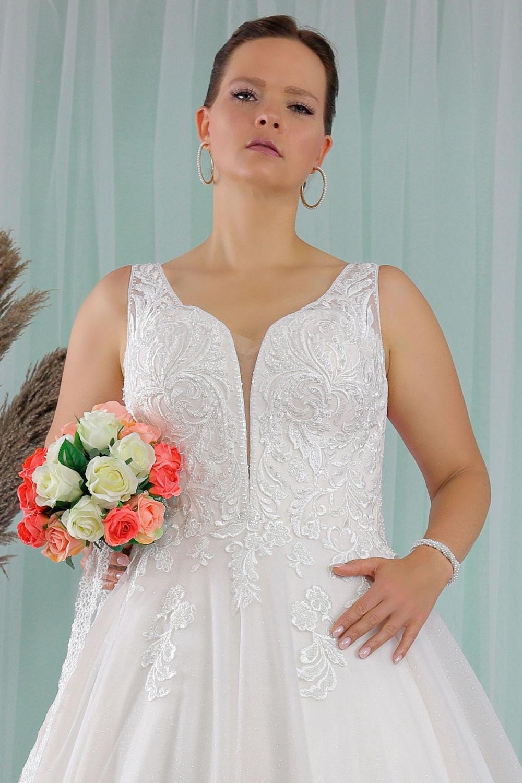 """Schantal Brautkleid aus der Kollektion """"Queen XXL"""", Modell 2279 XXL. Foto 2"""