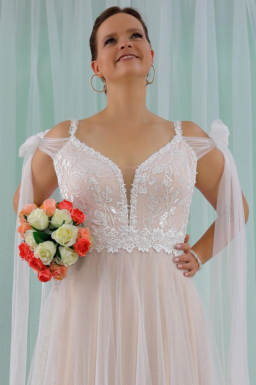 """Schantal Brautkleid aus der Kollektion """"Queen XXL"""", Modell 2311 XXL. Foto 2"""